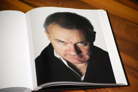 Denkt doch mal nach, Ihr Heizdeckenverkäufer (Foto aus dem Band: 8 Minutes - Hirse & Bailey, Steidl-Verlag)