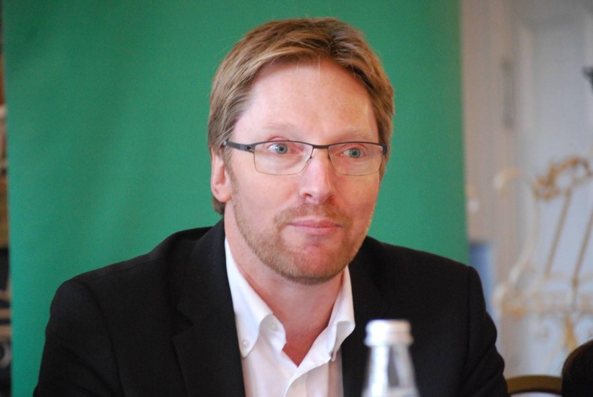 Lahmes Internet macht Angst - Breitband-Pläne von Dobrindt sind unzureichend