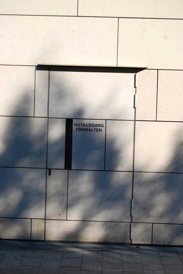 Trutzburg mit Notausgang